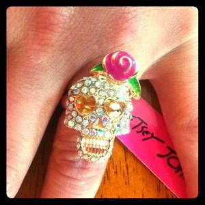Betsey Johnson Sugar Skull Ring sz 7