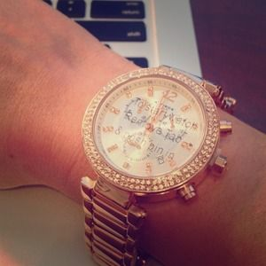 Akribos Accessories - Rose Gold Stainless & Crystal Watch