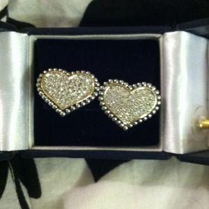 Diamond Heart Studs 💎