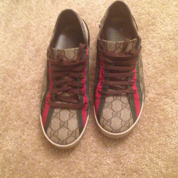 8f08e7b697e3 Gucci Shoes - Gucci shoes size 7 1 2