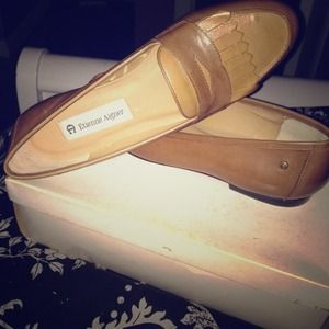 Leather flats by Etienne Aigner