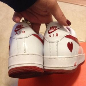 nike shoes limited edition valentines day nike air force 1 - Nike Valentines Day Shoes