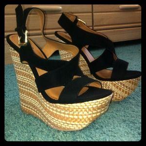 Wedge heel black sandals