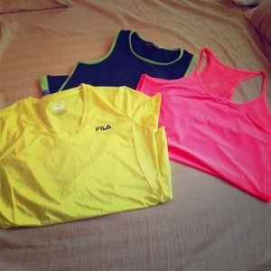 Other - WORKOUT BUNDLE!! (Tops and bottoms)