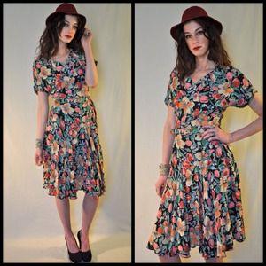 🚫SOLD on etsy🚫vintage Nicole Miller silk dress