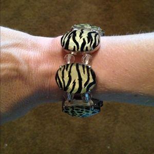 Jewelry - Animal Print Bracelet 😻
