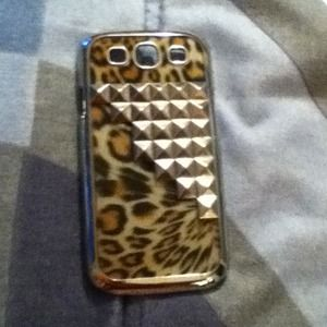 Accessories - Two Samsung galaxy 3 cases