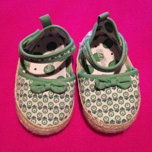 off Old Navy Shoes Old navy 6 12 months shoes size
