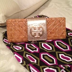 Tory burch clutch