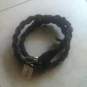 New black woven belt