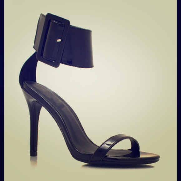 8d02d845d72 Gucci victoire look alike strappy sandal