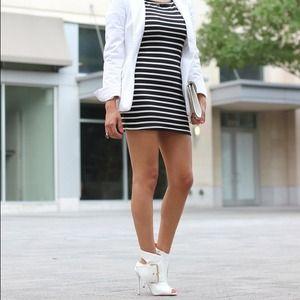 shoedazzle  Shoes - Sari shoedazzle white open toe booties