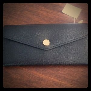 Michael Kors Saffiano Carryall Leather Wallet