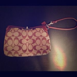 % Authentic!! Coach wristlet