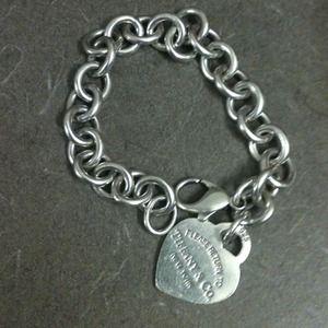Return to Tiffany silver heart tag charm bracelet