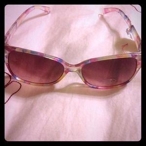 NewSteve Madden Pink Geometric Sunglasses