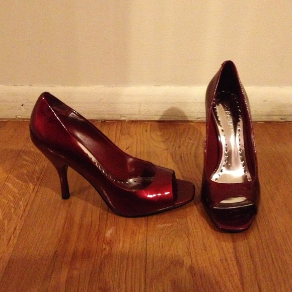 b7b0669fc23f BCBG Shoes - BCBGirls Candy Apple Red Peep Toe Pumps
