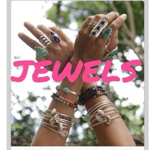 Everyone Loves Jewels!