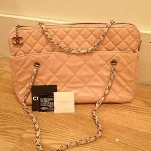 Chanel pink patten leather quilted shoulder bag