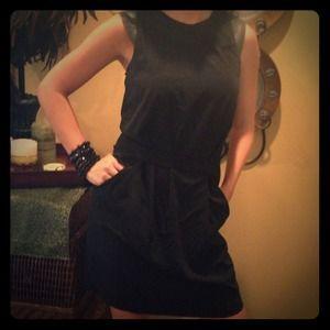 Hache Dresses & Skirts - Black Hache Sleeveless Dress
