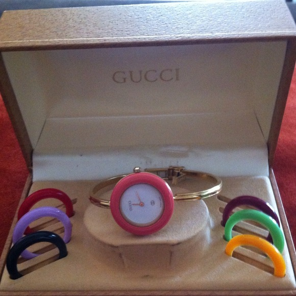 5639ce3284153 Gucci Jewelry - Vintage gucci watch 1100-L