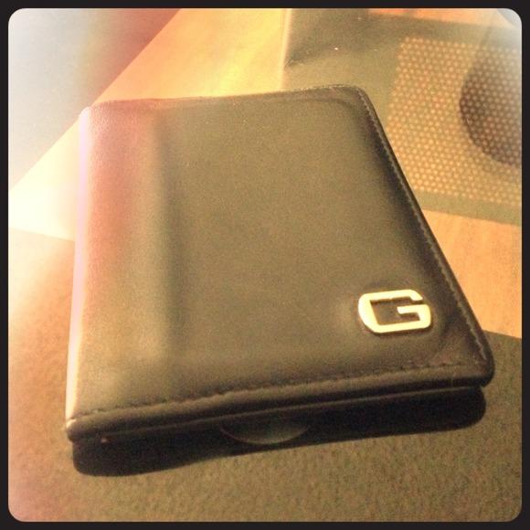 fb3c8e53524ff4 Gucci Bags | Authentic Bifold Wallet | Poshmark