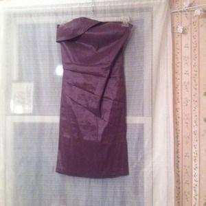 Dresses - Strapless purple tight dress