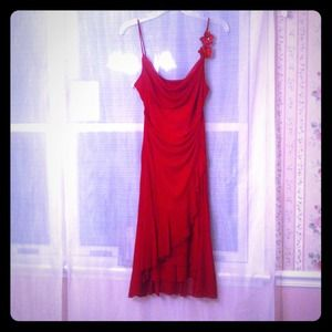 Dresses & Skirts - Timeless spaghetti strap red dress *REDUCED*
