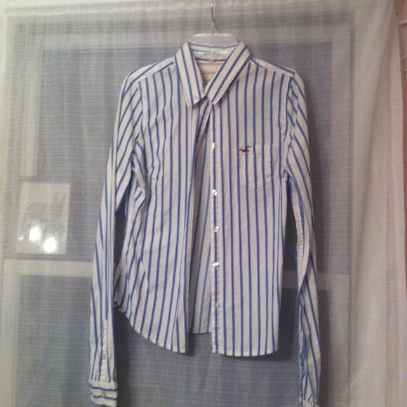 Hollister Tops - Blue and navy striped button down top