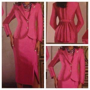 Dresses & Skirts - 🅾⬇️Reduced ⬇️🅾Fuchsia 2 Piece Skirt Set Suit