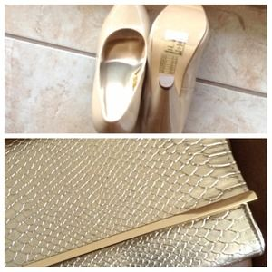 Heels pumps nude and Gold Clutch