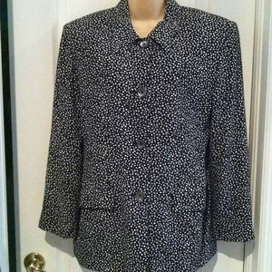 Liz Claiborne Black &white blazer✂✂✂to $40✂✂$25