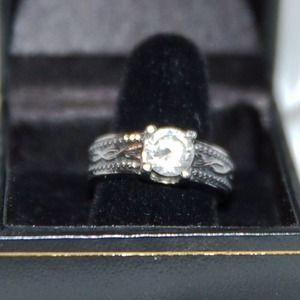 Beautiful silver CZ ring - 7/7.5
