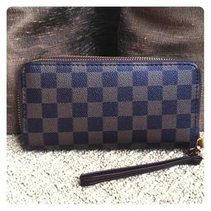 Louis Vuitton Clutches & Wallets - NEW Checkered wallet🎄🎄🎅🎅