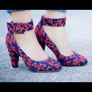 shoedazzle Shoes - Red/blue floral heels