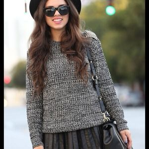 Outerwear - Grey sweater with spikes