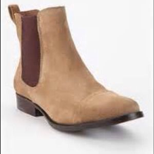 Jeffrey Campbell Boots - Host pick Jeffrey Campbell Chelsea Suede boot