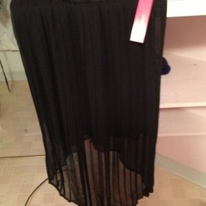 Black hi lo skirt. BNWT