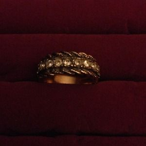 Jewelry - 18k gold plated ring