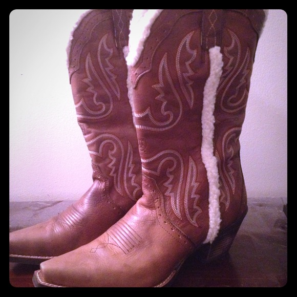 Soldgorgeous Ariat Fur Lined Boots