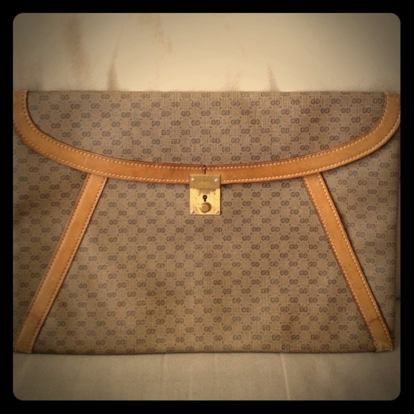 Gucci Handbags - Authentic Vintage Gucci Oversized Envelope  Clutch