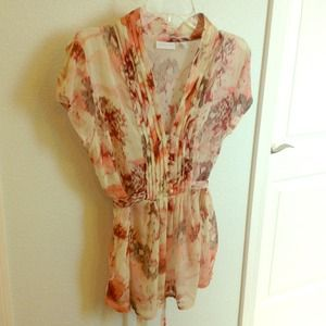 Sheer blouse with cute button detail