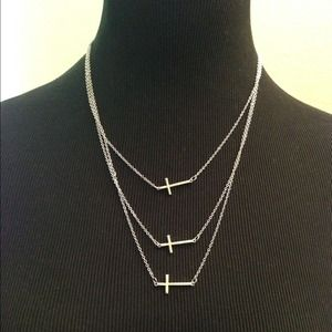 Jewelry - Cute 3-Cross Silver Chain