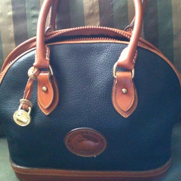 c5b2d2fddd Dooney   Bourke Handbags - B88-Vintage Dooney and Bourke Bowler Bag