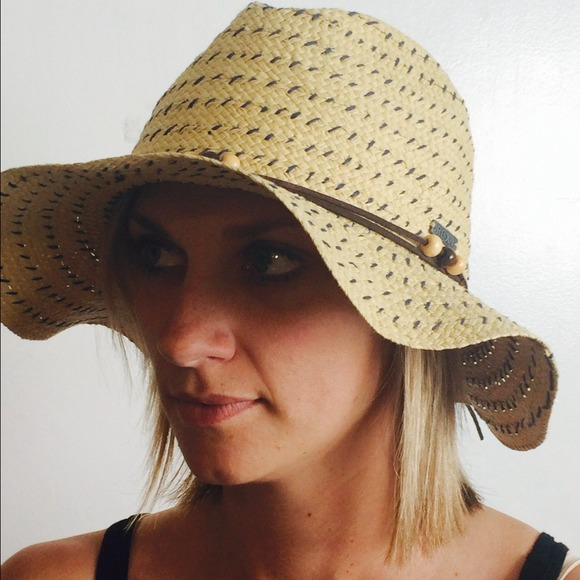 Roxy floppy sun hat 5f91291e73e