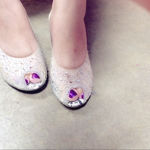 🔴 New Cute open toes Crystal All-over shoes!