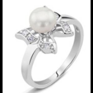 Jewelry - 🎄Cultured Freshwater Pearl In Sterling Silver.