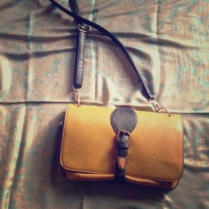 Vintage mustard yellow should strap handbag