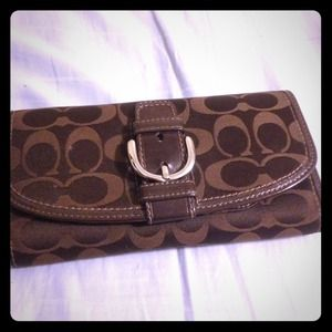 Large Signature Coach wallet