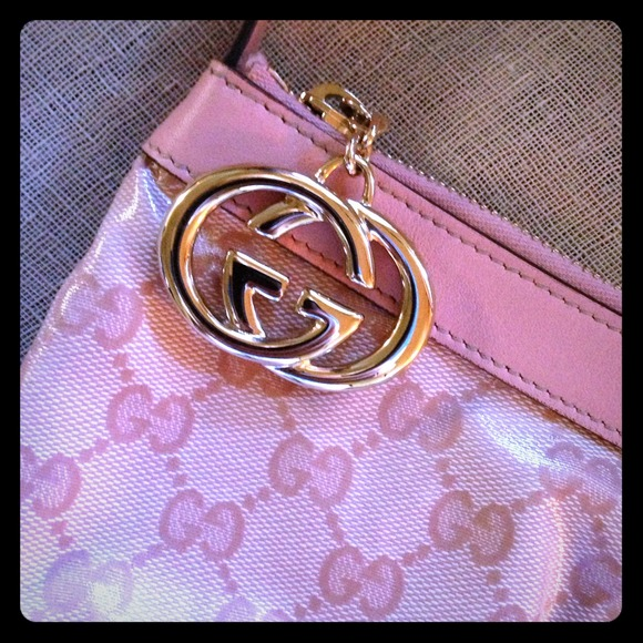 Gucci Handbags - { HP🌸 GUCCI Pouchette } Crystal Gloss AUTH